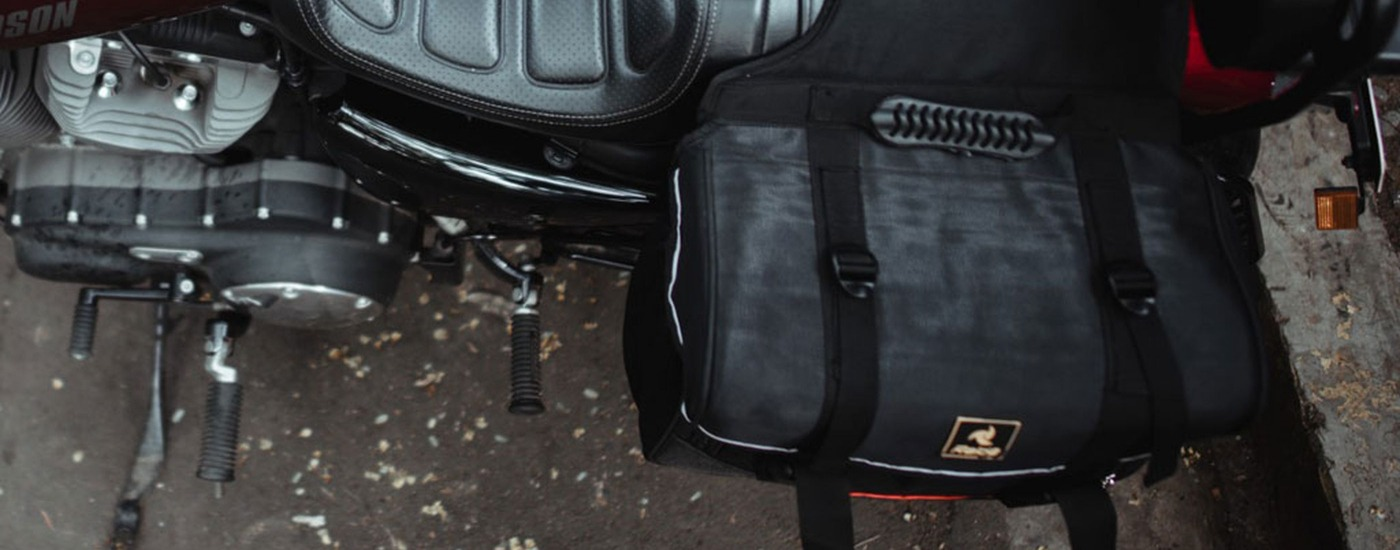 Black Saddle bag attached on bike (1)